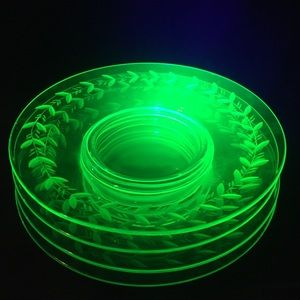 "Depression Glass (4) 8"" Plates Green Wheat/Wreath"